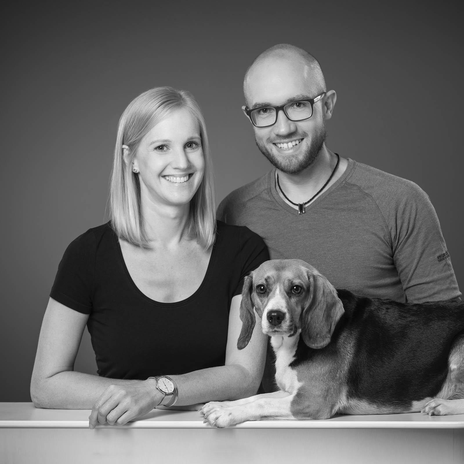 Doppelbild-Familie-Paerchen-Traunstein-Hund-Tierportrait