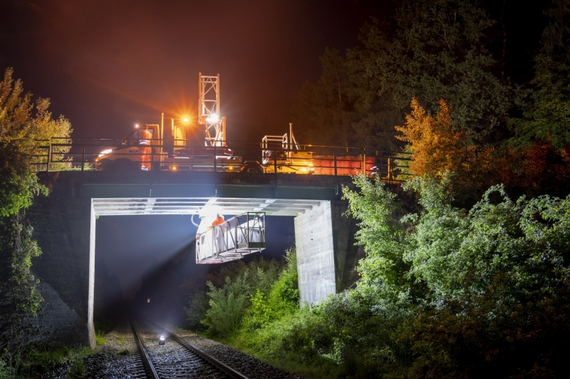 Produk perfekt in Szene gesetzt Nachtaufnahmen Fotograf Werbung Produktfoto Traunstein Portfolio