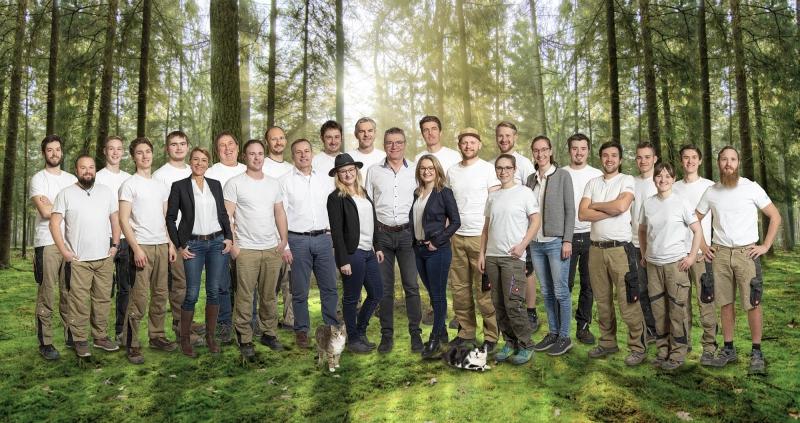 Gruppenfoto-Chiemgau-Belegschaft-Traunstein-Schreiner-Mitarbeiter-Portrait